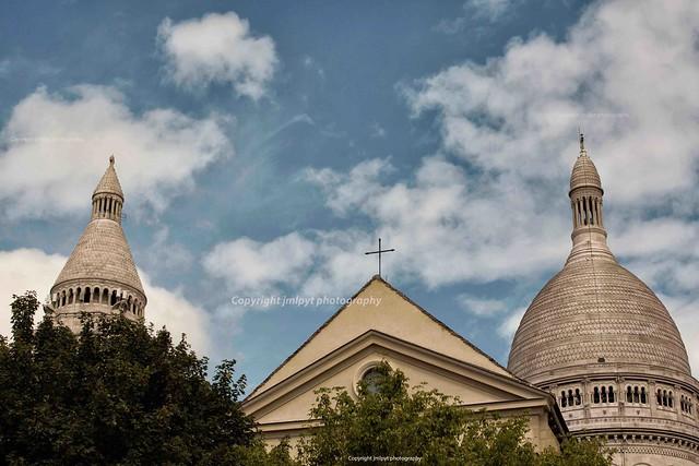 Montmartre, Basilique Sacré-Coeur and Saint-Pierre Church