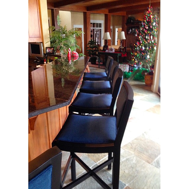 #BellTower delivered these beautiful #leeindustries #barstools just in time for the holidays! #Lakehouseliving #GullLake #Indoorfurniture #InteriorDesign #LeeLovesLocal