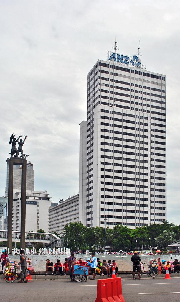 Wisma Nusantara & Monumen Selamat Datang