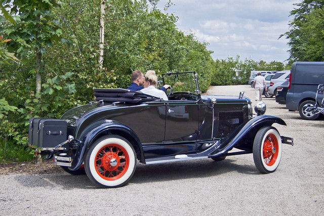 Ford Model A DeLuxe Roadster 1930 (7672)