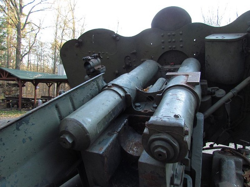 85 mm divisional gun D-44 17