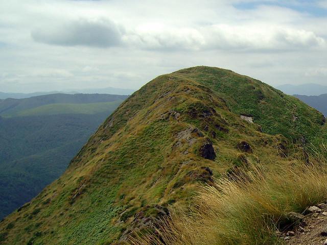 La mullida cumbre de Erroilbide (837 m.)