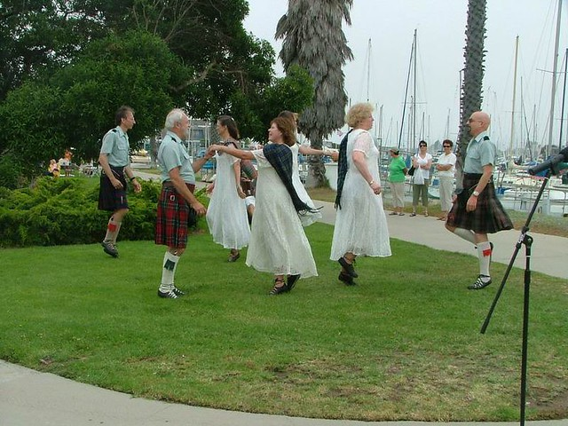 C_Scottish Country Dancers 106