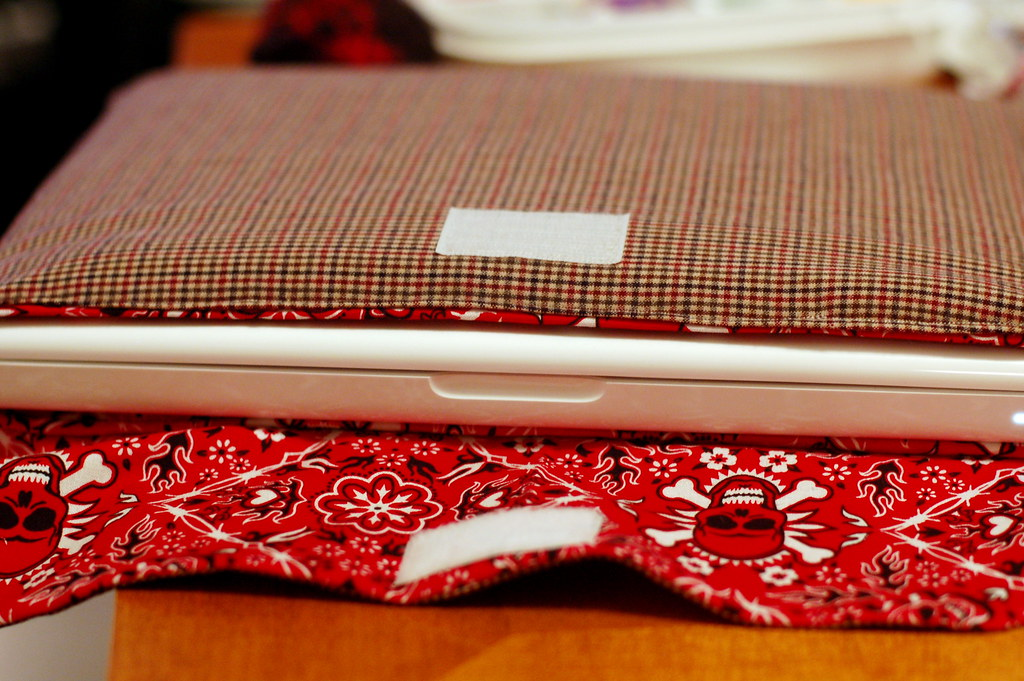 Macbook Sleeve | How To Sew A Simple DIY Laptop Sleeve In Minutes | making your own laptop sleeve