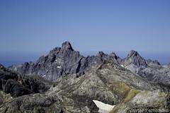 Torre de Llambrión (2.642 m) y Pico Tesorero (2.563 m)