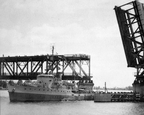 HMAS Inverell passing through the bascule span in the 1950's | by Clarence Valley Historical Photos (before 1955)