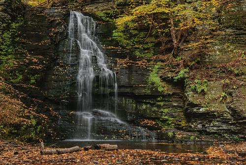 autumn pennsylvania falls bridalveilfalls bushkill bushkillfalls