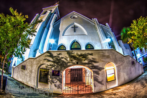 street door city light urban usa building luz sc church window lamp architecture night canon dark landscape ventana luces noche us calle arquitectura puerta nightscape cross artistic edificio wide creative iglesia ciudad paisaje fisheye charleston cruz nocturna urbano farolas artistico creativo canon70d danieldevad danieldelgadophotography