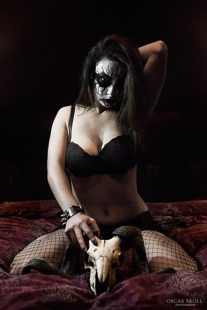 Girl black metal 44 Black