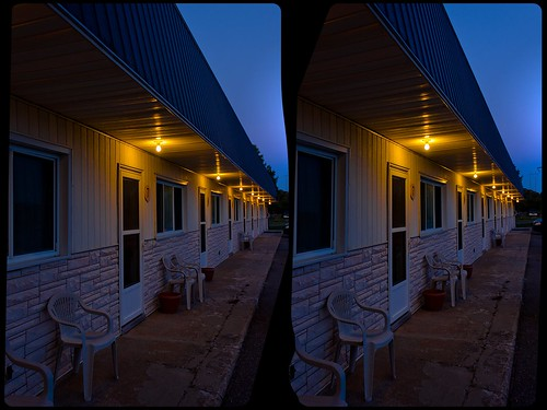 north america canada province ontario motel transcanadahighway highway17 thegreatlakes spragge night dusk quietearth 3d 3dphoto 3dstereo 3rddimension spatial stereo stereo3d stereophoto stereophotography stereoscopic stereoscopy stereotron threedimensional stereoview stereophotomaker stereophotograph 3dpicture 3dglasses 3dimage crosseye crosseyed crossview xview cross eye pair freeview sidebyside sbs kreuzblick hyperstereo twin canon eos 550d yongnuo radio transmitter remote control synchron in synch kitlens 1855mm tonemapping hdr hdri raw cr2 availablelight architecture 3dframe fancyframe floatingwindow spatialframe roys stereowindow window 100v10f