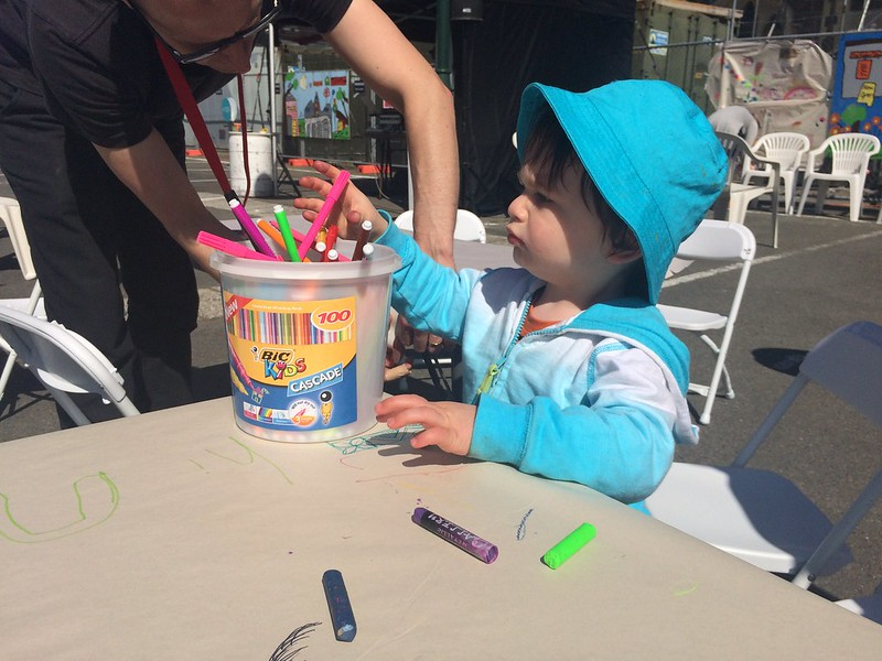 Toddler and felt tip pens