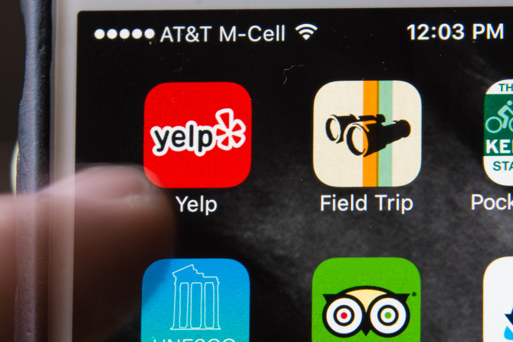 Tap, tap, tap on the Yelp app   Mr  Blue MauMau   Flickr