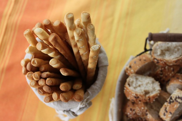 Pane, crackers e grissini
