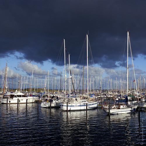 Dark Sky Sailing Ships | by kagamiyama