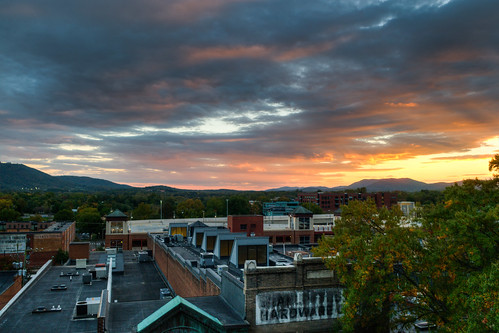 sunset virginia nikon charlottesville hdr downtownmall d300 photomatix nikonafsdx1755mmf28gifed bobmical