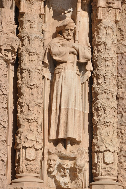 Barcelona (Tibidabo). Basilica of the Sacred Heart of Jesus. Saint James, detail of the portal of the lower church. 1904-1909. Alfons Juyol and Eusebi Arnau, sculptors. Enric Sagnier, architect.