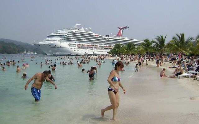 Carnival Glory at Isla Roatan