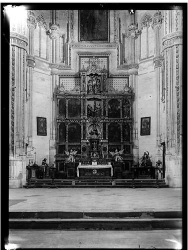 Interior de San Juan de los Reyes en Toledo hacia 1920. Fotografía de Enrique Guinea Maquíbar © Archivo Municipal de Vitoria-Gasteiz