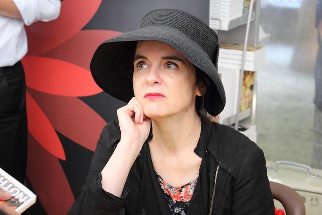Amélie Nothomb - Livre sur la Place de Nancy