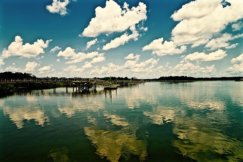 blue summer cloud reflection sc clouds creek reflections river pier dock nikon teal south southcarolina august beaufort lowcountry carolinas 2015 ripplingwater beaufortcounty nikon2485 batterycreek harborriver nikond610