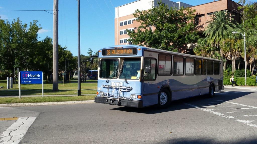 2001 Gillig Phantom  558