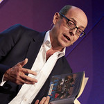 Nick Robinson | Nick Robinson reads from his Election Notebook at his Book Festival event © Helen Jones
