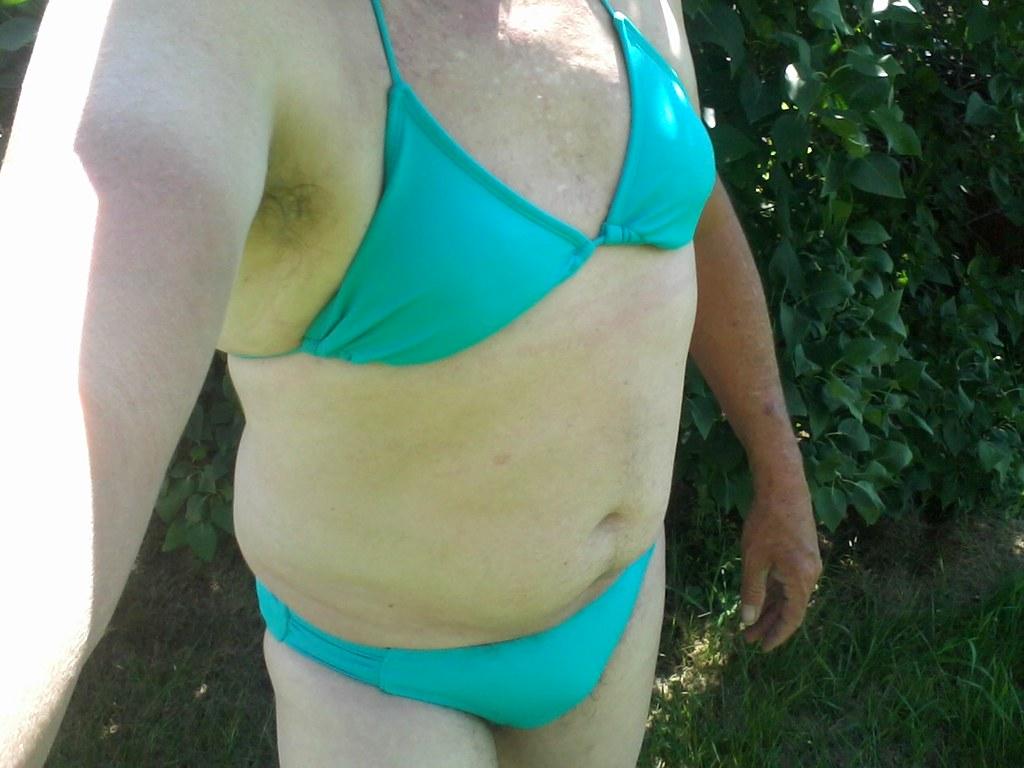 Bikini mann