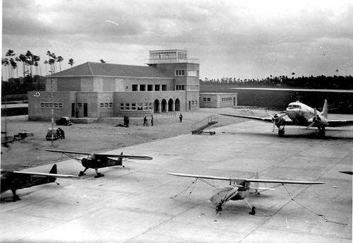Aeroporto de Pedras Rubras em 1947, inaugurado a 3-12-1945 | by zerrodrigues