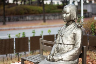 peace statue comfort woman statue 위안부 소녀상 평화의 소녀상 (2) | by CC0photo