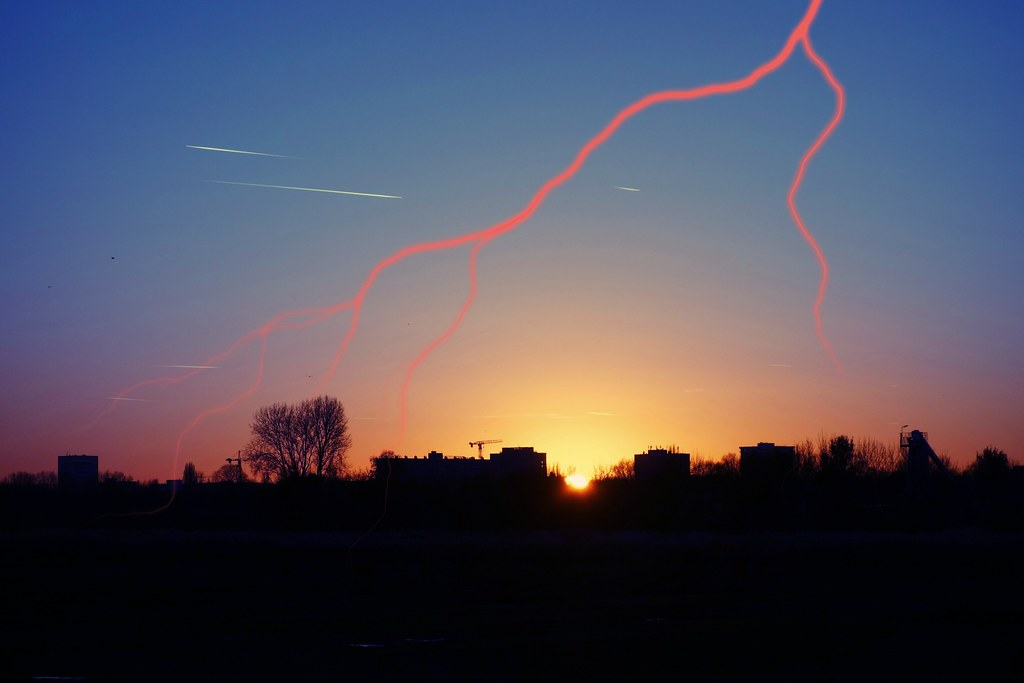 ACER PICS Nov. 2016 - Sunset with lightning 28-11-16