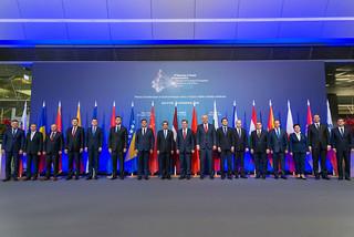 16+1 valdību vadītāju kopbilde / 16+1 Summit Family photo | by Latvian Foreign Ministry
