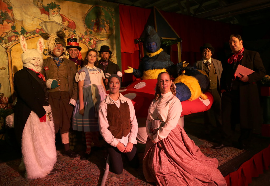 Cast And Crew Of Alice In Wonderland Together With Lewis Flickr
