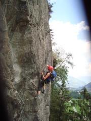 Marieke in lastig stukje klettersteig
