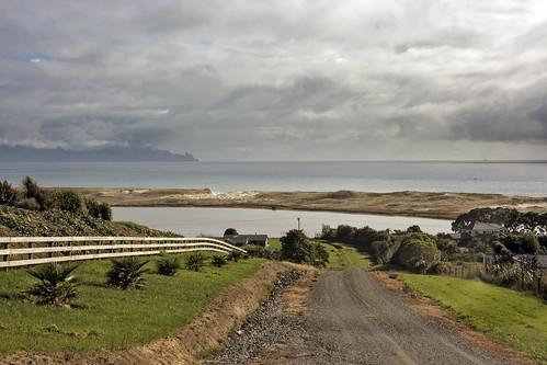 road newzealand sky clouds fence river landscape drive bay coast stream cloudy sandbar estuary shore nz heads northland gravel whangarei waterscape waipu lisaridings fantommst