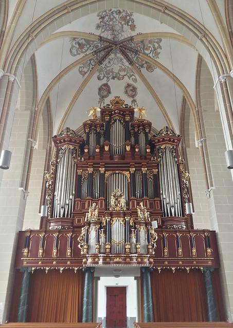 Zutphen - Sint Walburgkerk