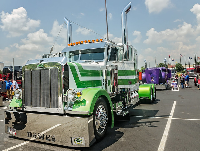 1988 Peterbilt 379 at the 34th annual Shell Rotella SuperRigs truck beauty contest in Joplin Missouri