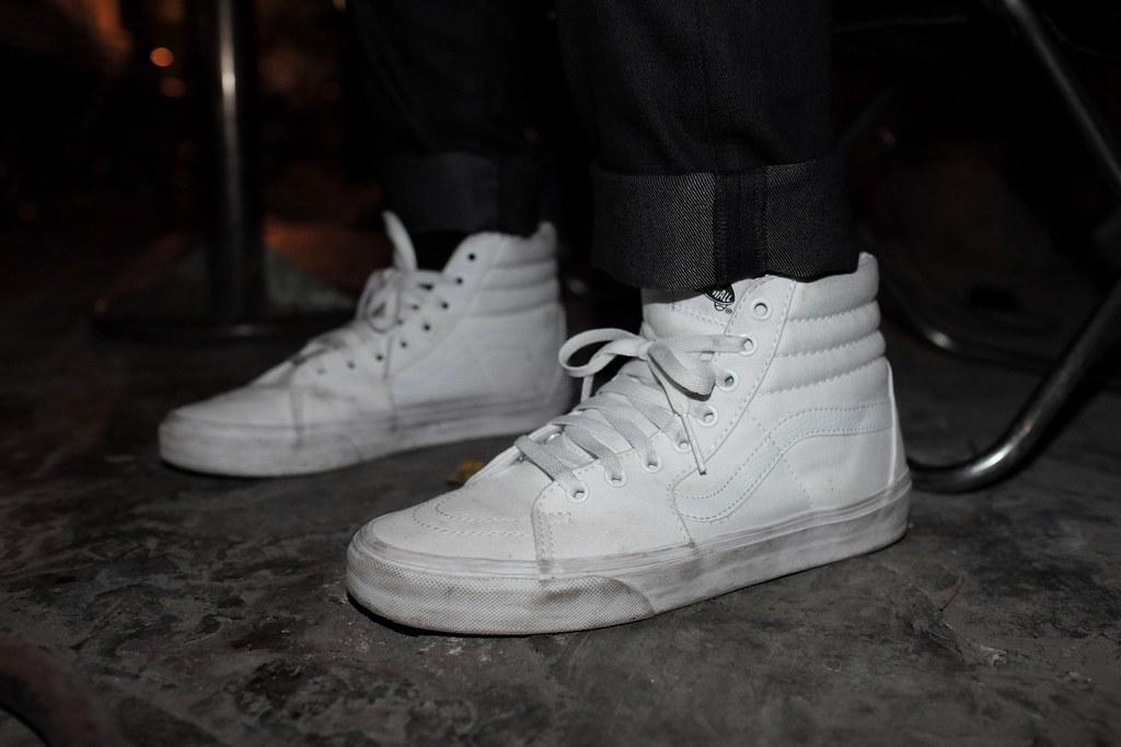 c81cf693087646 ... Vans Sk8-hi All White On Feet