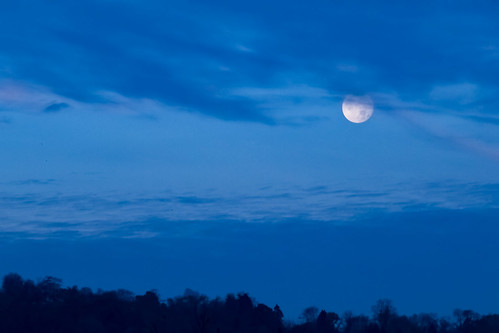 supermoon pennsylvania commonwealthpa alleghenycounty bluehour kwtracyghostship mckeesport unitedstates us thebluehour morning blue moody serene surreal stratusclouds
