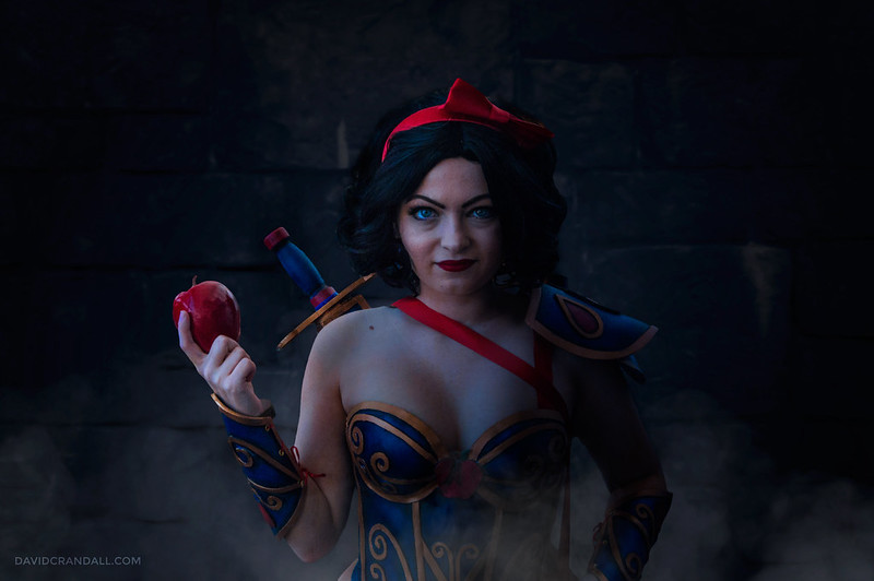 Armored Snow White Cosplay