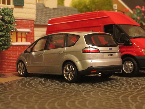 Ford S-MAX by Minichamps   by IFHP97