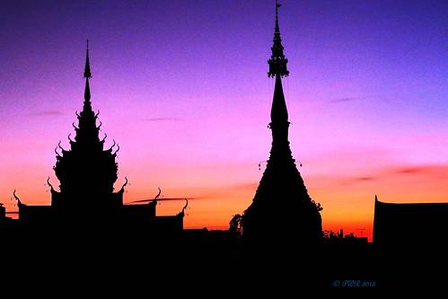 chiangmaithailand dawn sunrise watbupparam เชียงใหม่ ประเทศไทย วัคบุพพาราม 2015 earthasia