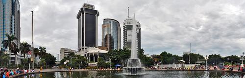 Air Mancur Bundaran Bank Indonesia   by Ya, saya inBaliTimur