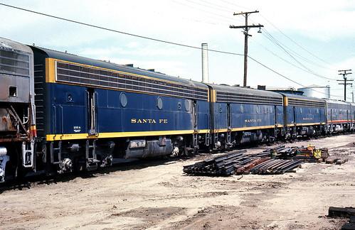 california santafe trains shops rebuild railroads sanbernardino emd atsf rce f7b