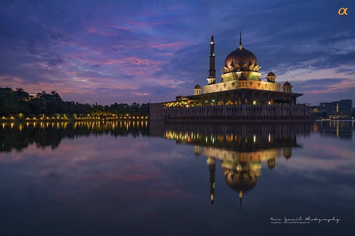 decorations lake reflection minaret muslim prayer mosque dome putrajaya islamic placeofworship masjidputra nurismailphotography nurismailmohammed nurismail