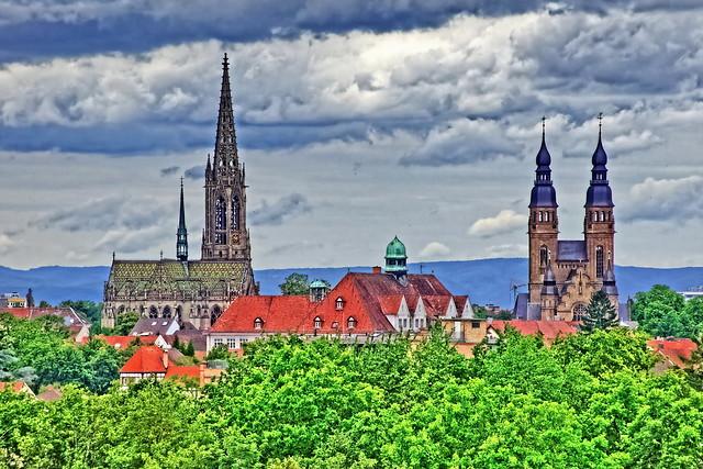 St. Joseph Kirche und die Gedächtniskirche von Speyer
