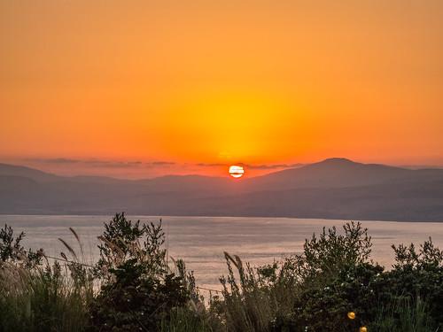 golan israel mushbutz restorant food moshavramot sunset