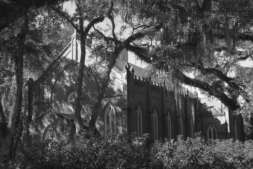 episcopal church st francisville graveyard west feliciana tjean314 2015 blackandwhite bw monochrome louisiana public johnhanley black white allphotoscopy20052017johnhanleyallrightsreservedcontactforpermissiontouse gray grey