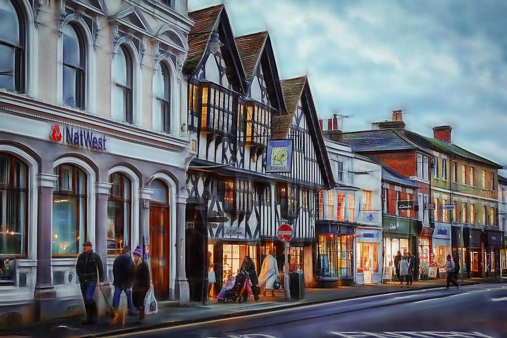 The Borough Farnham Saturday Christmas Shoppers P