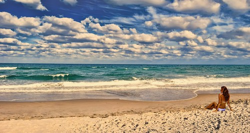 miamibeach miamifl seashore sobe blue colors beachscape people skies clouds walking waterways autdoor southbeach urban urbanexploration exploration