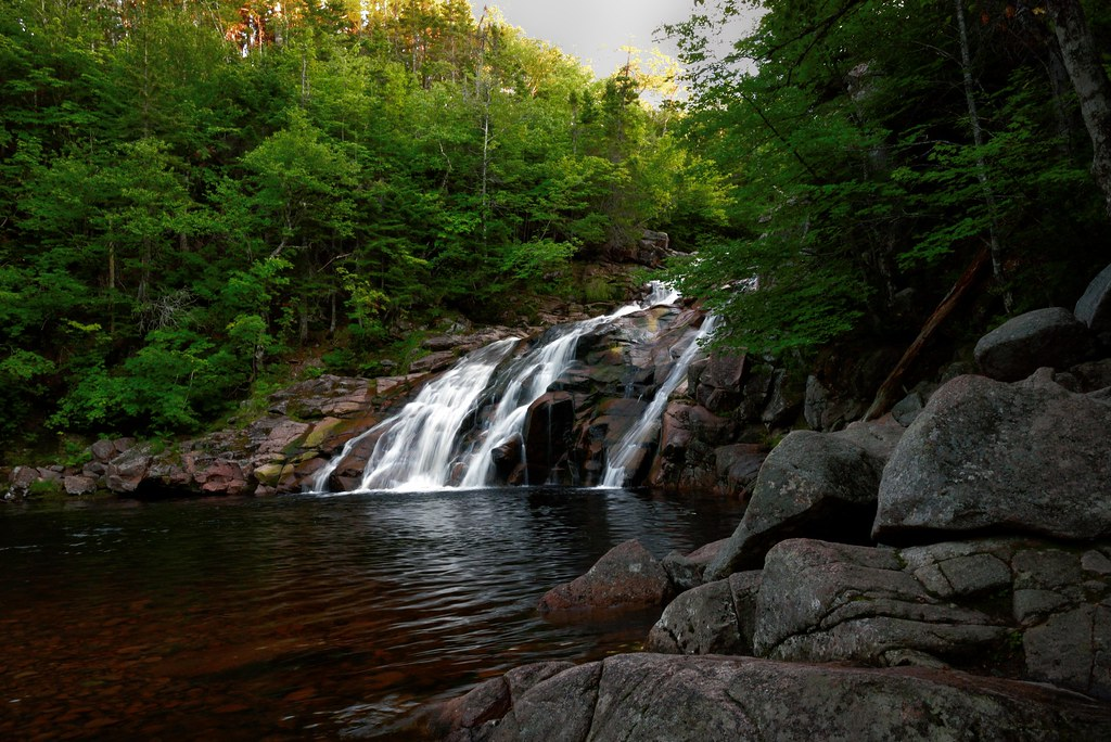 Chutes  Mary Ann  (Sainte Anne)      entre  chiens  et  loups    (Saint Ann's) Mary Ann falls  at  the blue hour
